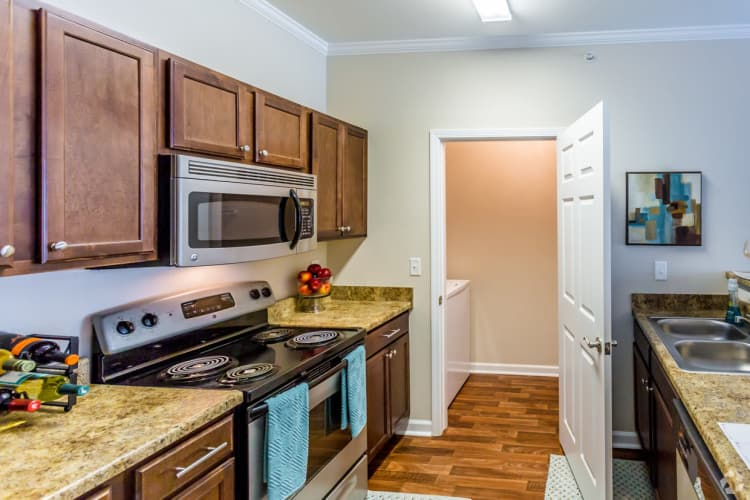 Chenal Pointe at the Divide showcases a beautiful kitchen in Little Rock, Arkansas