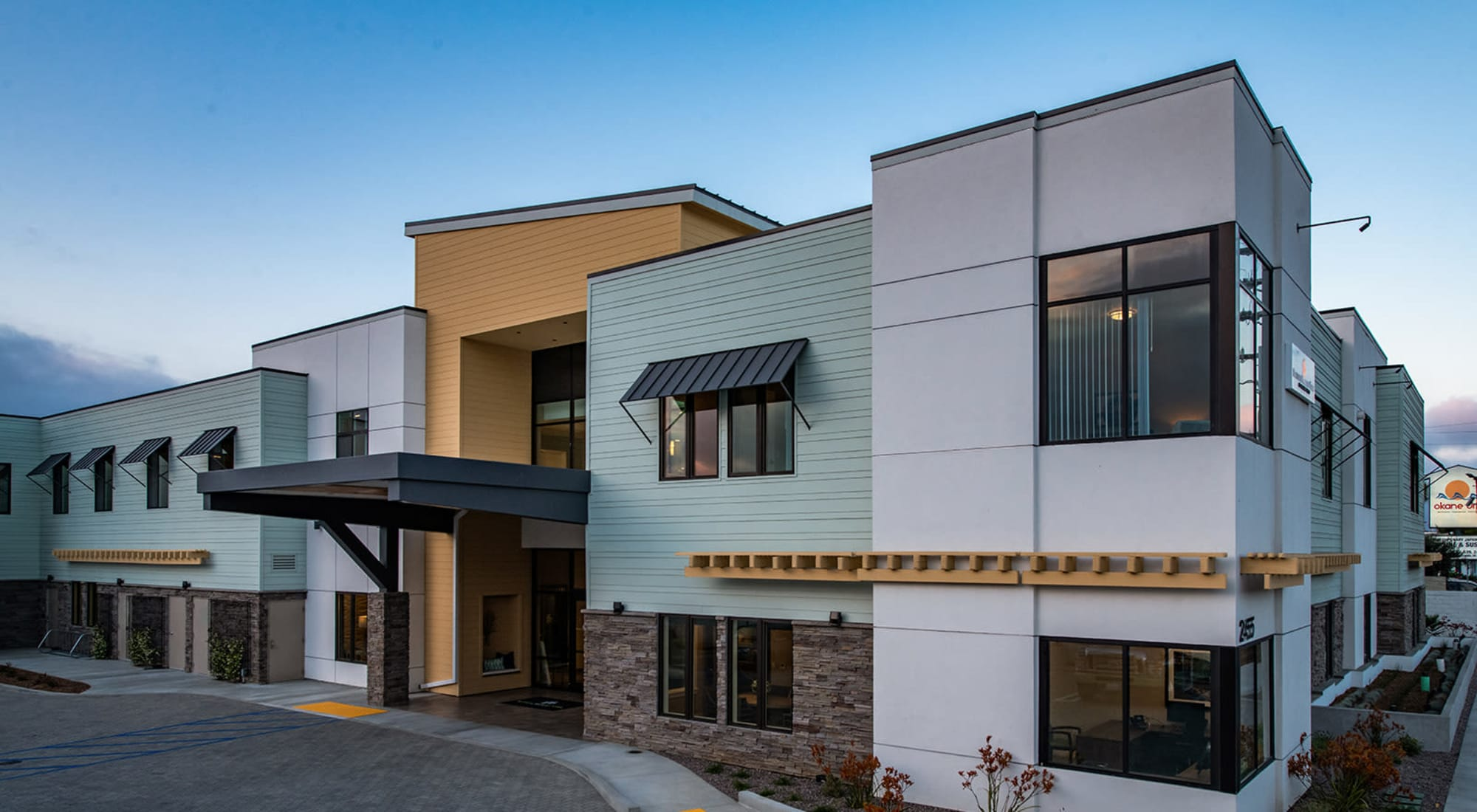 Daytime exterior view of Seasons Memory Care at Rolling Hills in Torrance, California