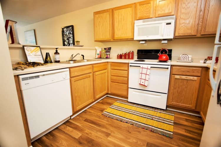 Mountaineer Village offers a beautiful kitchen in Boone, North Carolina