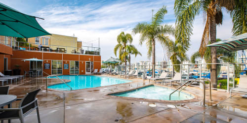 The resort-style pool and sundeck at Harborside Marina Bay Apartments in Marina del Rey, California