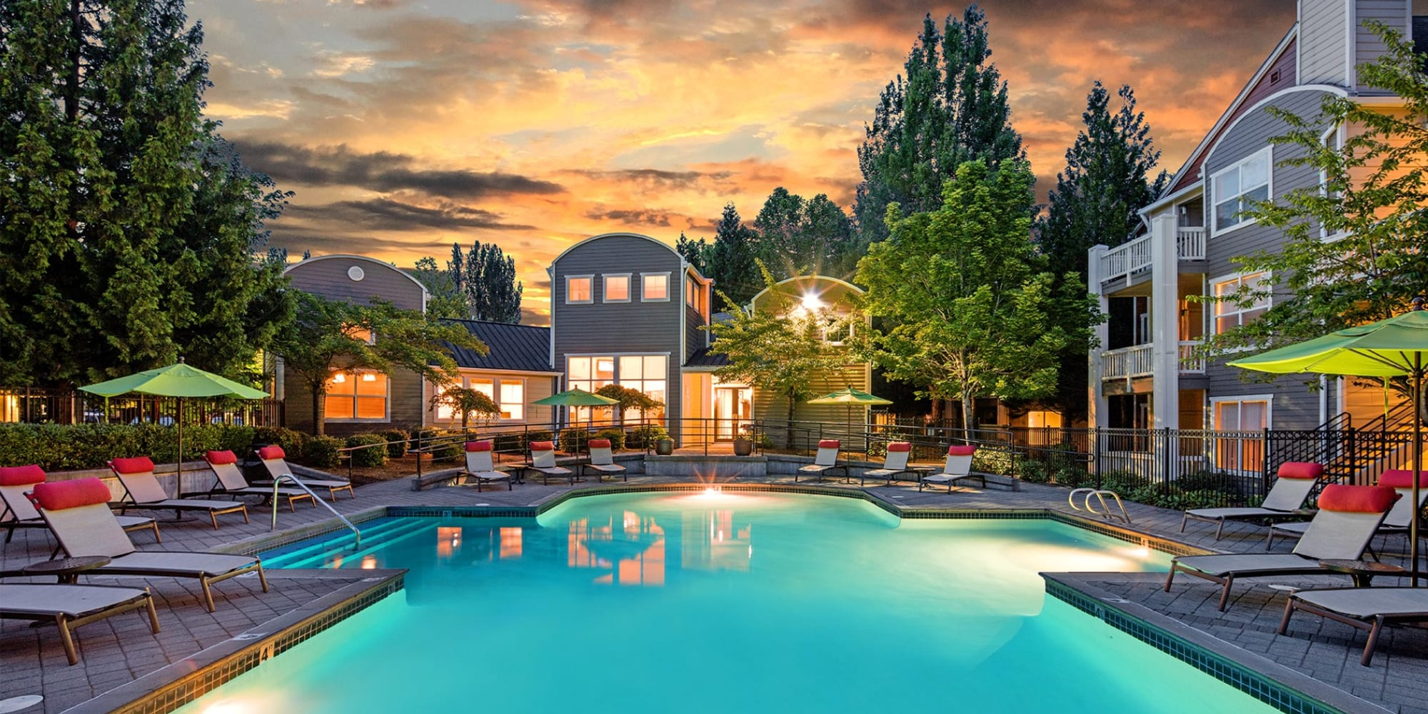 Apartments at Center Pointe Apartment Homes in Beaverton, Oregon