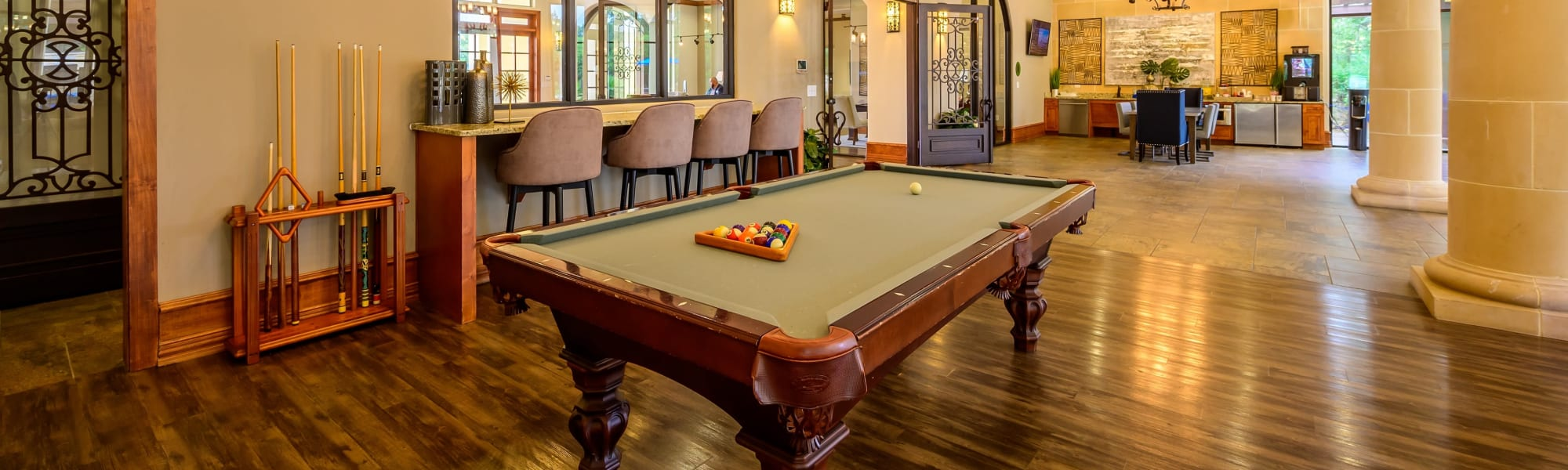 Virtual tours of Pecan Springs Apartments in San Antonio, Texas