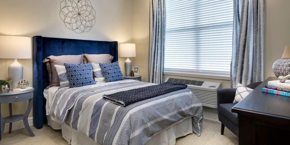 Stonecrest at Burlington Creek bedroom in Kansas City, Missouri