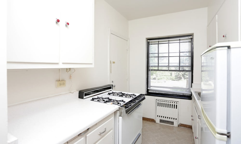 Gas stove in white kitchen at Windsor Terrace in Des Moines, Iowa