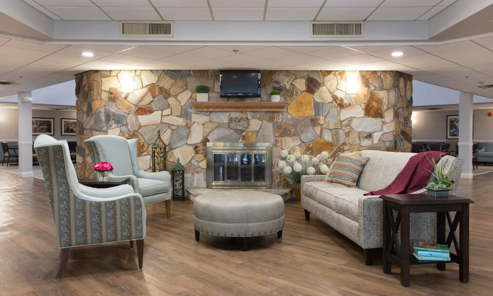 Community living room at Royalton Woods in North Royalton, Ohio