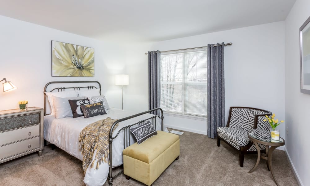 Large bedroom at The Links at CenterPointe Townhomes in Canandaigua