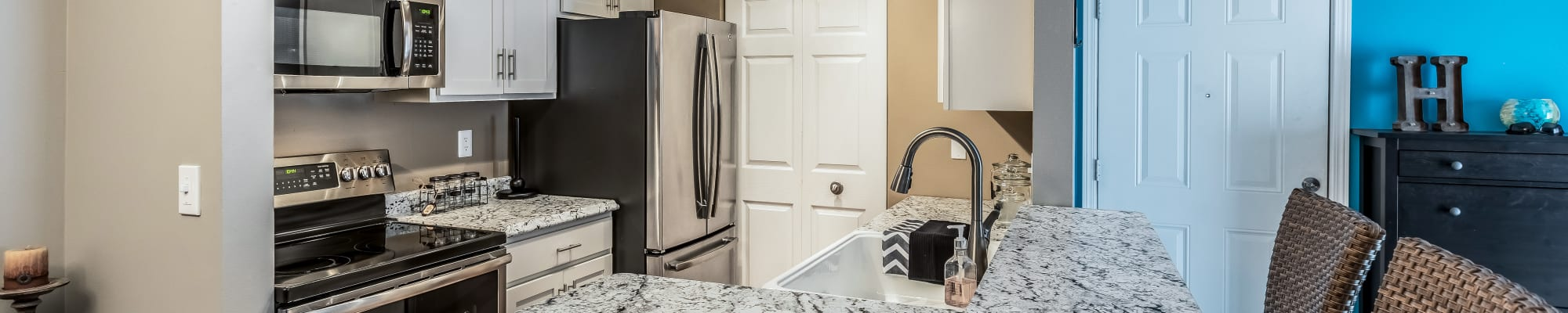 Amenities at Waters Edge Apartments in Lansing, Michigan