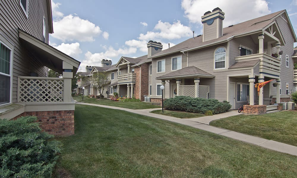 Exterio View Apartments At Perry's Crossing Apartments In Perrysburg OH