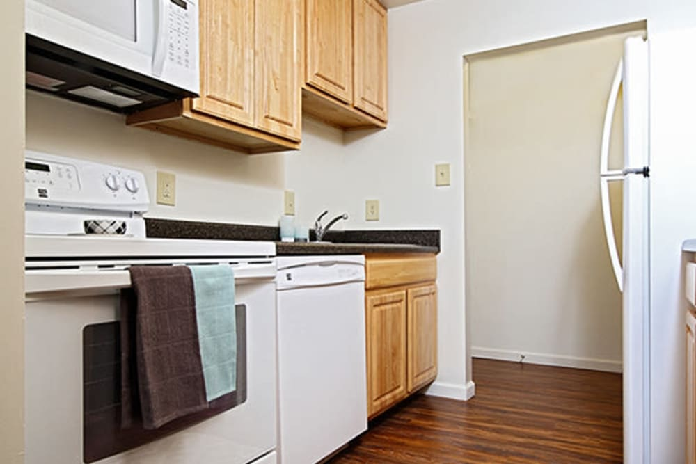 New appliances at King's Manor Apartments in Harrisburg, Pennsylvania