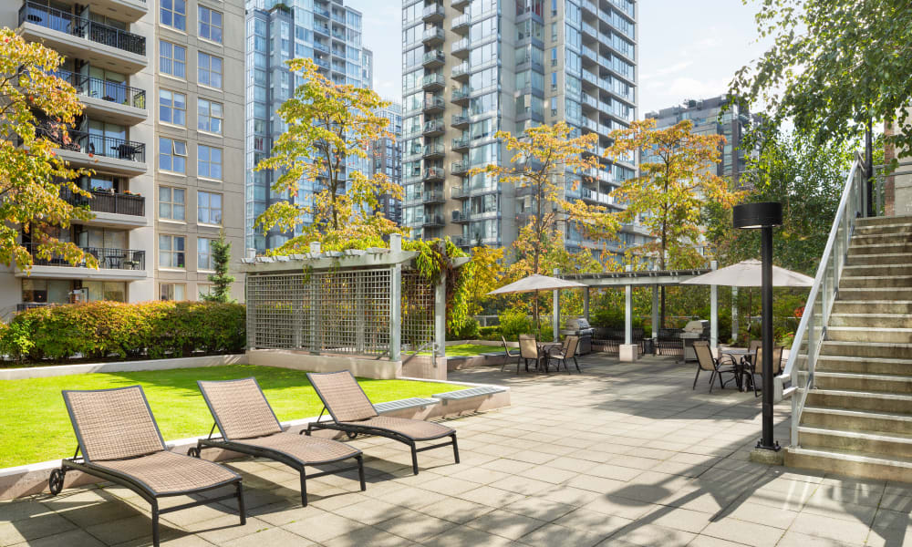 Outdoor lounge seating at Metropolitan Towers in Vancouver, British Columbia