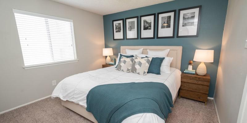 View virtual tour for 1 bedroom 1 bathroom unit at Royal Palms in San Antonio, Texas