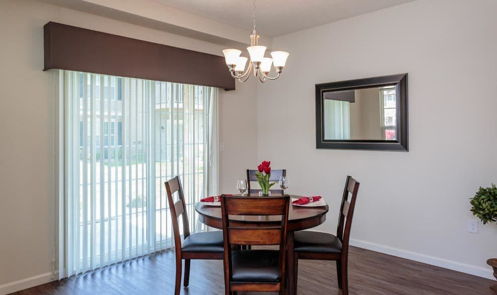 Dining room at Auburn Creek Apartments home