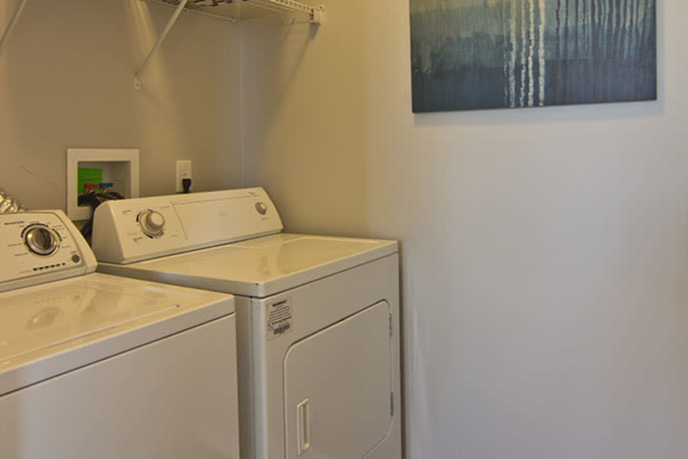 In-home washer and dryer at Overlook Apartments in Elsmere, Kentucky