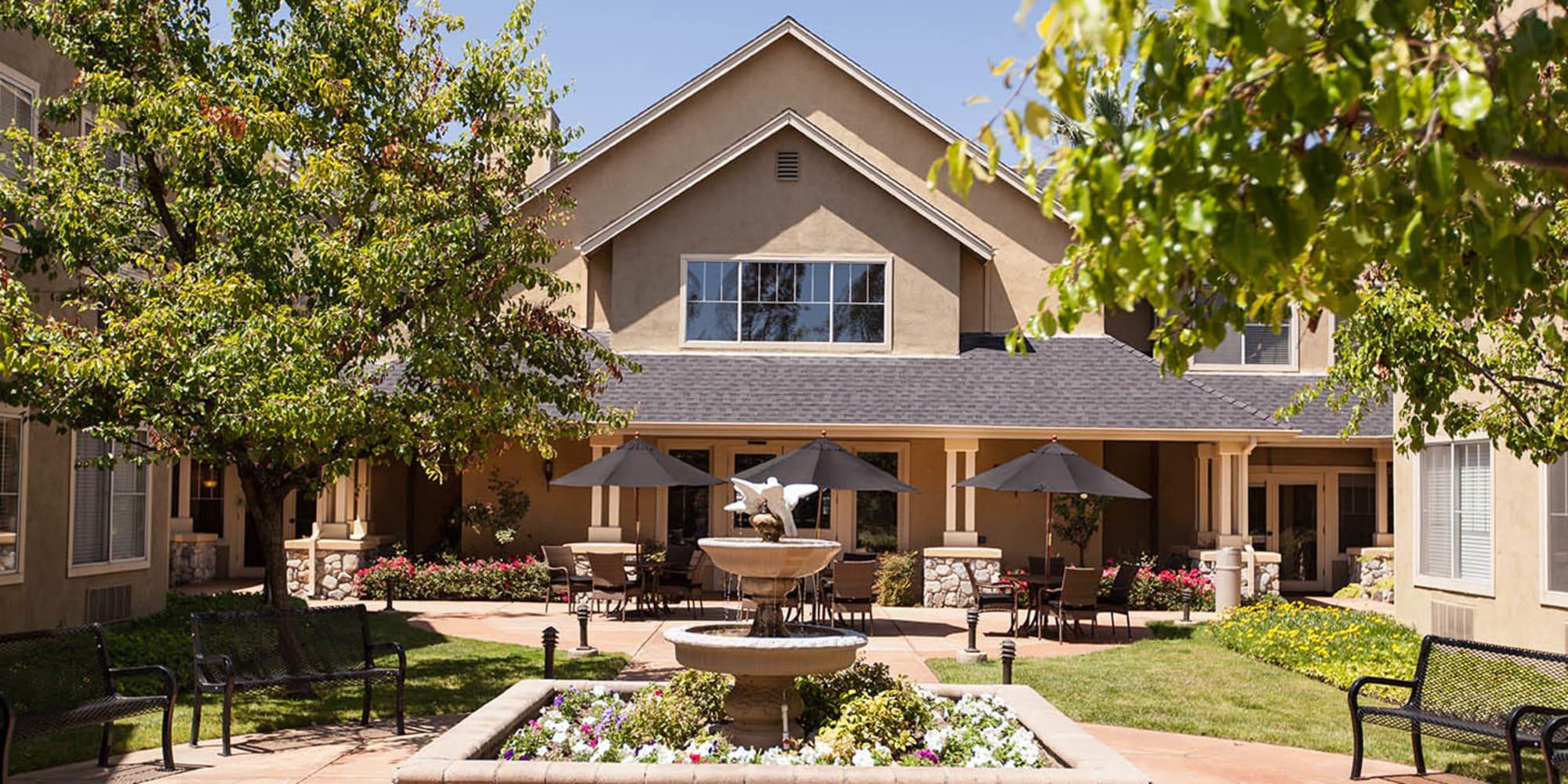 Senior living at Claremont Place in Claremont, California