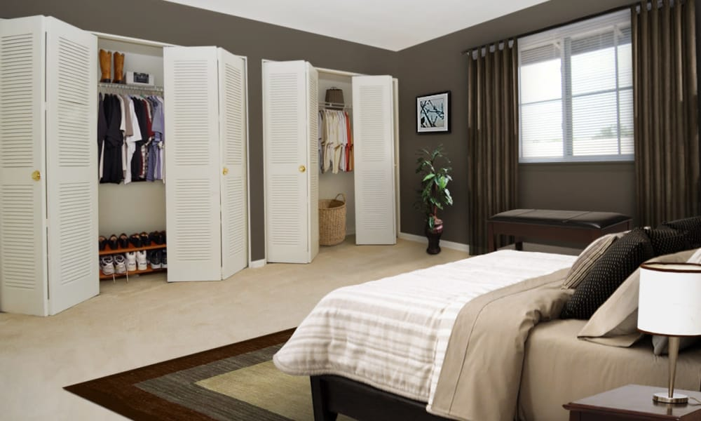 Willow Run at Mark Center Apartment Homes offers a spacious bedroom in Alexandria, VA