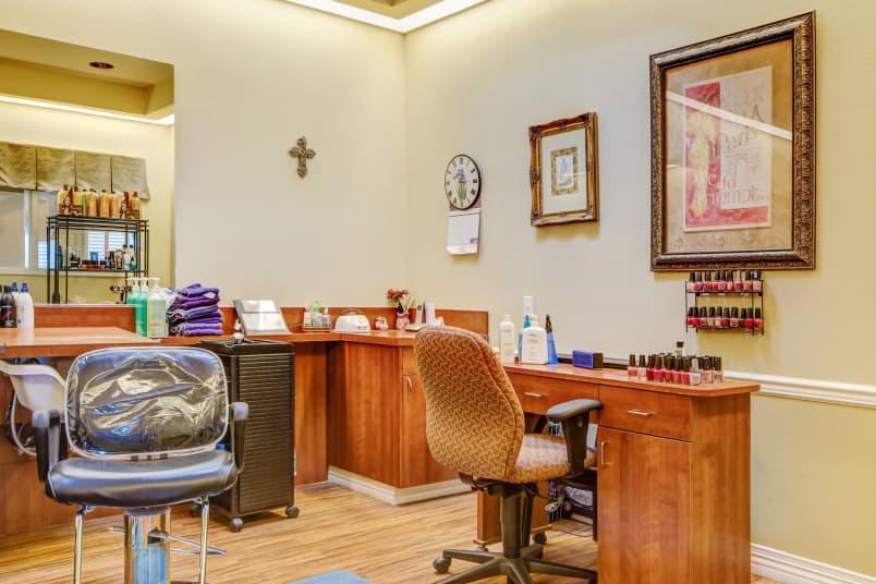 Spacious salon at The Commons on Thornton in Stockton, California