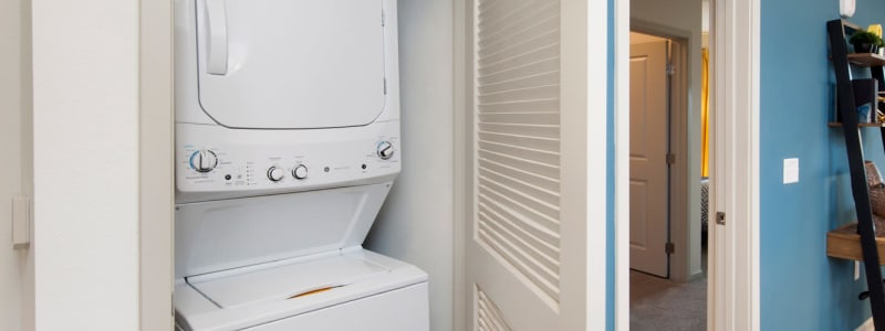 In-unit washer and dryer at Linden Crossroads in Orlando, Florida