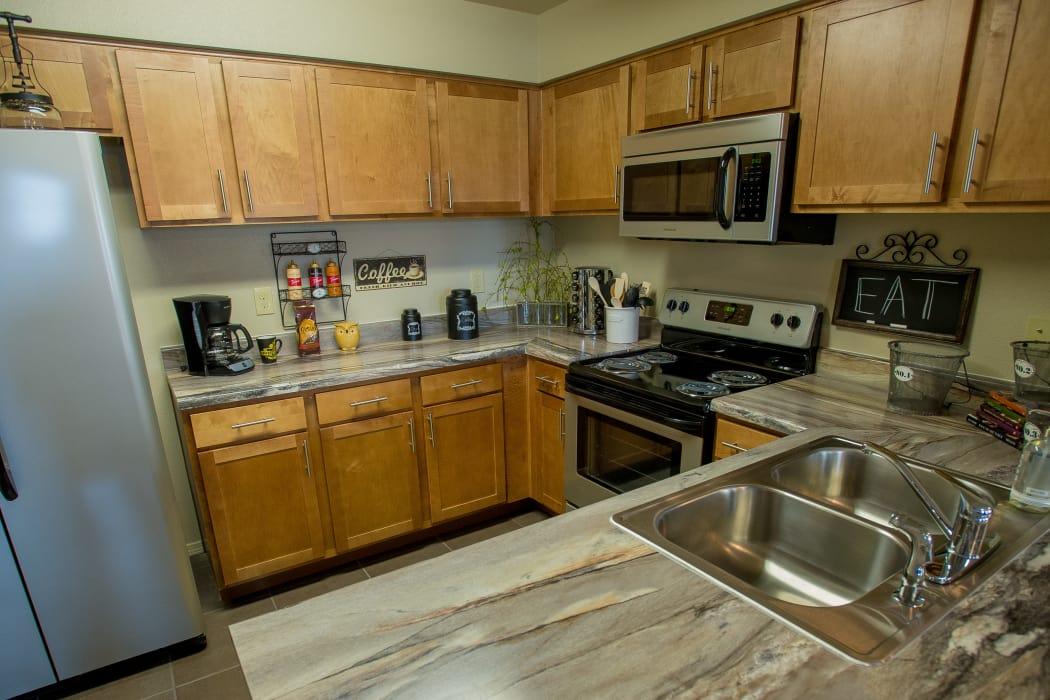 Granite counter tops at Cascata Apartments in Tulsa, Oklahoma