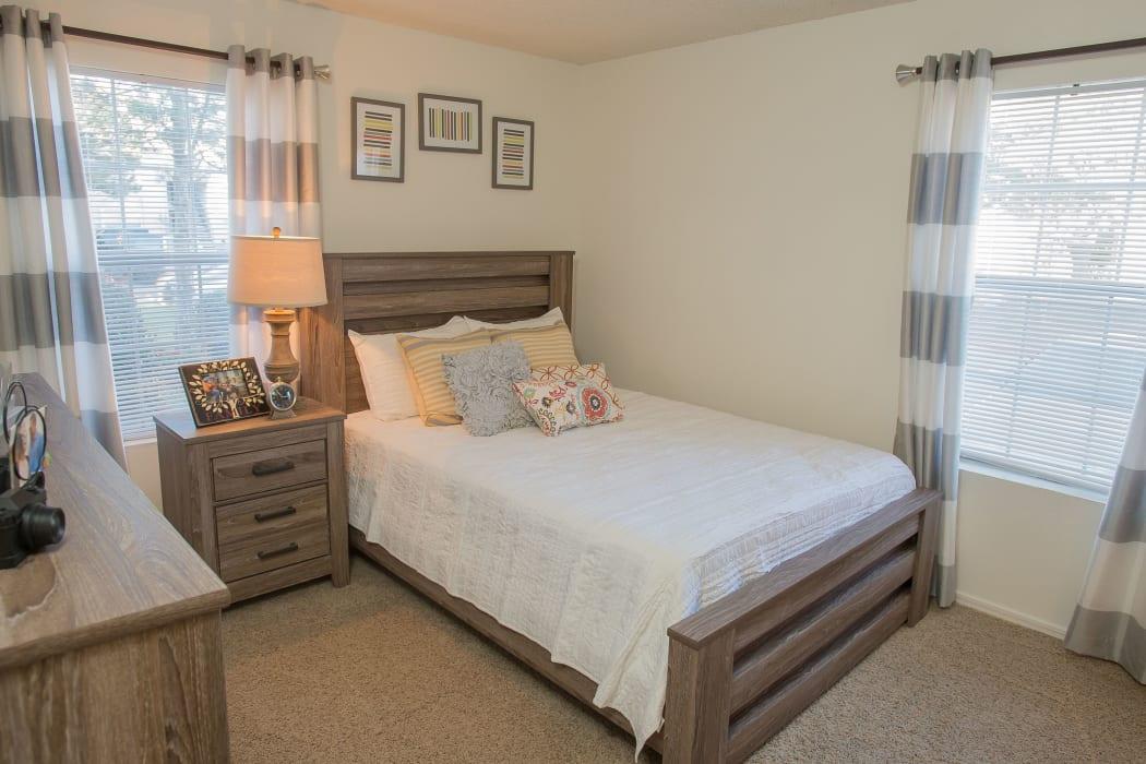 Bright bedroom at Hunter's Ridge in Oklahoma City, Oklahoma