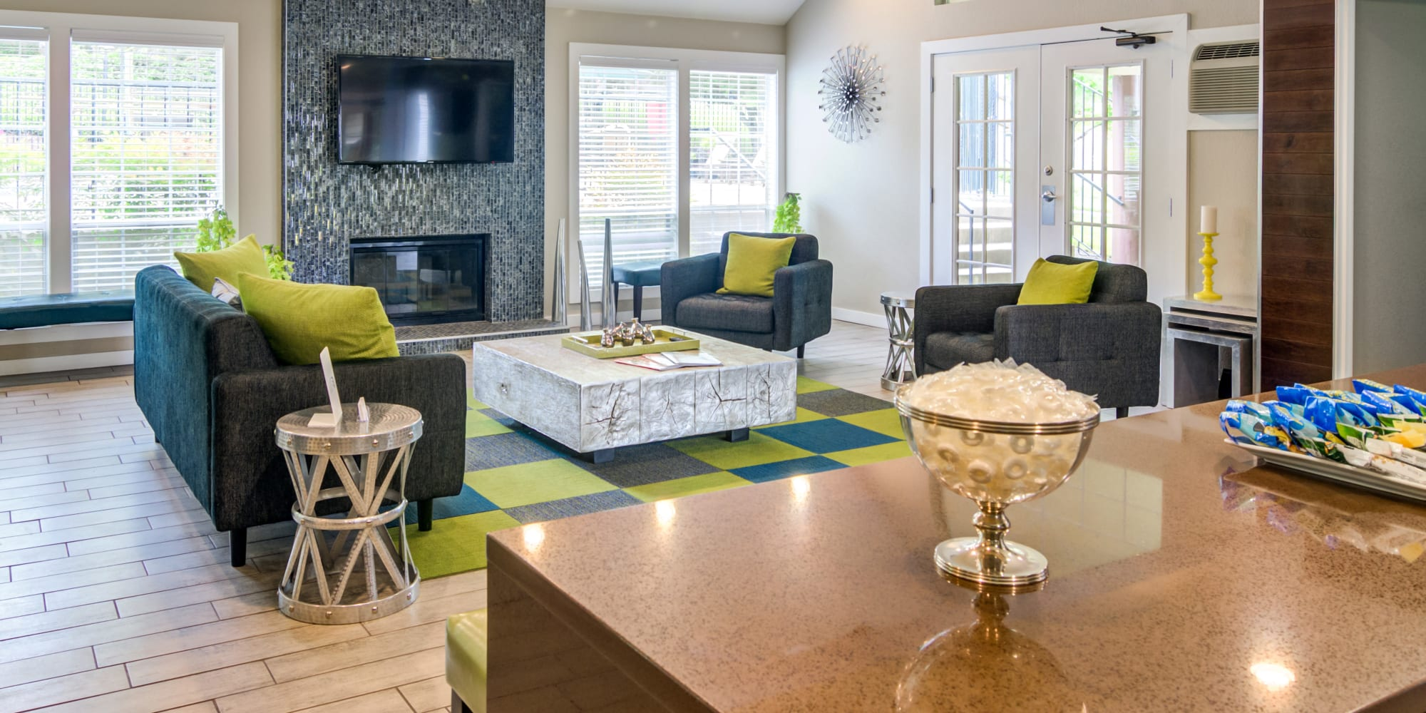Apartments in Lake Oswego, Oregon, at Sofi Lake Oswego