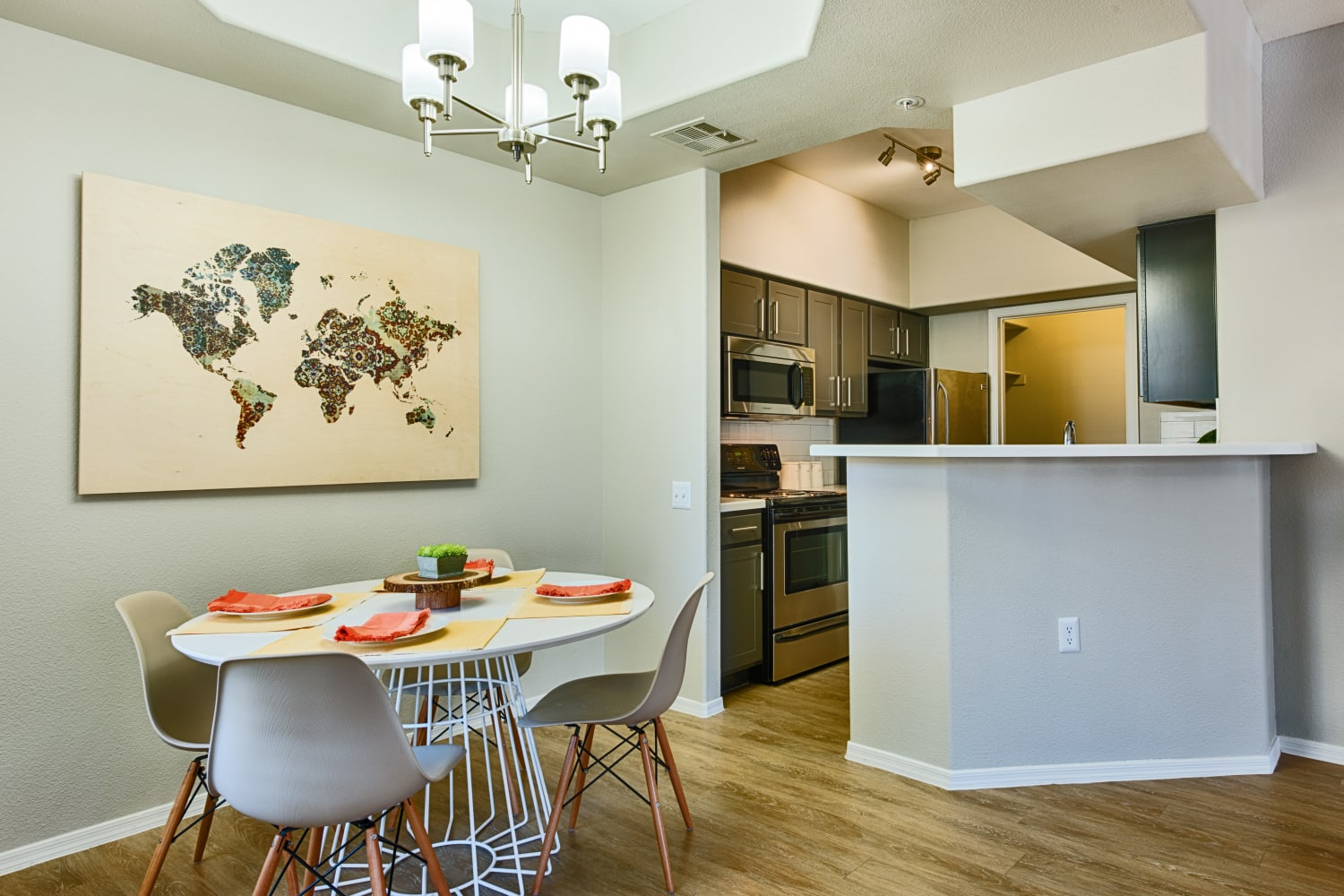 Sonoran Vista Apartments in Scottsdale, Arizona, offer open dining areas