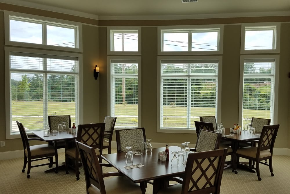 A wonderful private dining room to enjoy a meal at Blue Ridge Assisted Living