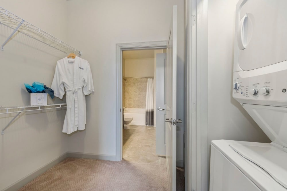 laundry-room-at-401-oberlin