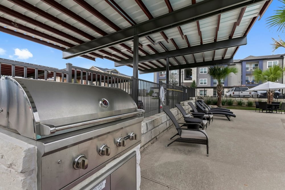 BBQ grill at Plum Creek Vue in Kyle, Texas