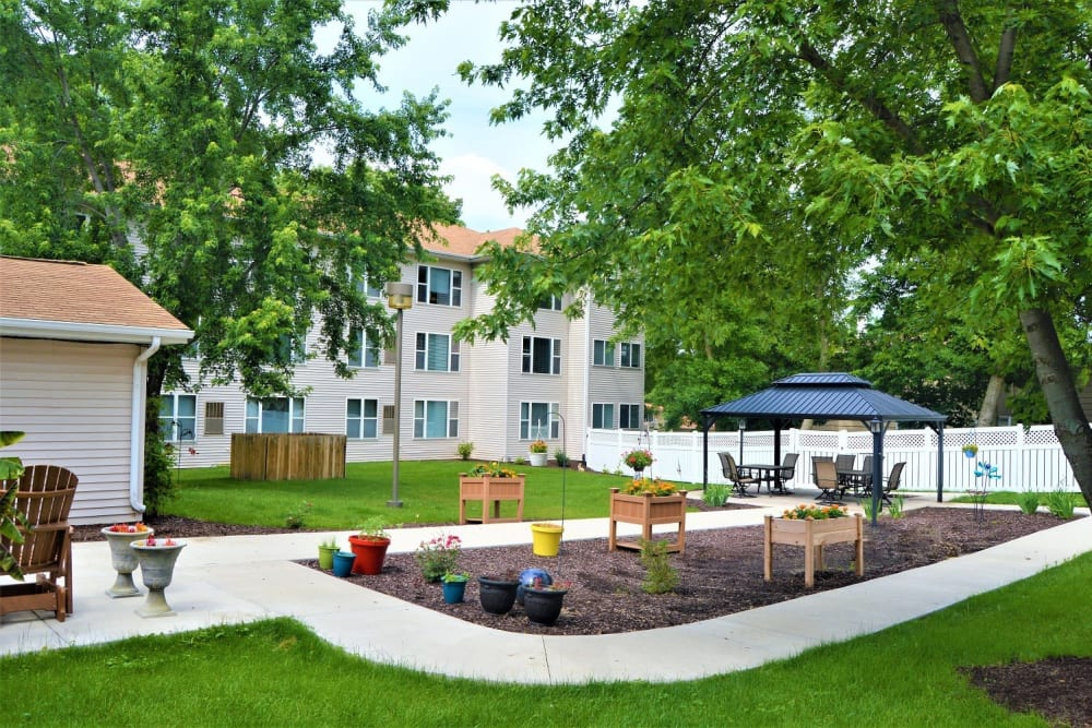 Courtyard and view of apartment buildings at Garnett Place in Cedar Rapids, Iowa.