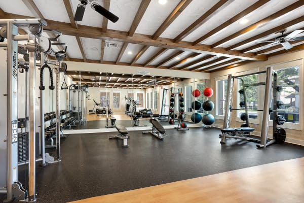 The fitness center at Sedona Ranch Apartments