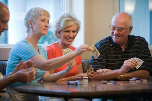 Make friends, play cards and enjoy a variety of community amenities at The Heights at Columbia Knoll in Portland, Oregon