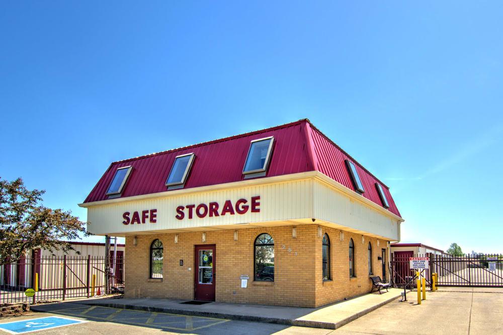 Exterior image of Safe Storage in Nicholasville, Kentucky