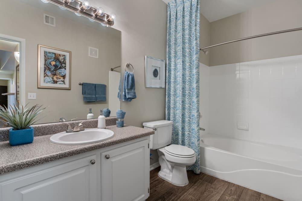 Clean bathroom with full-size tub at Alante at the Islands in Chandler, Arizona