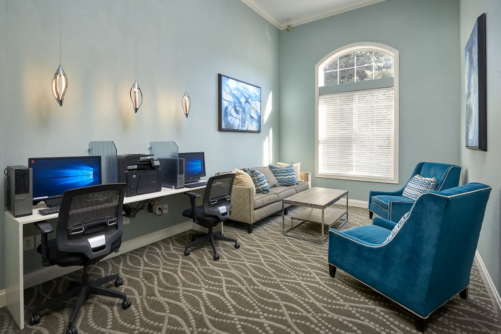 Community common area for resident use at Skyecrest Apartments in Lakewood, Colorado