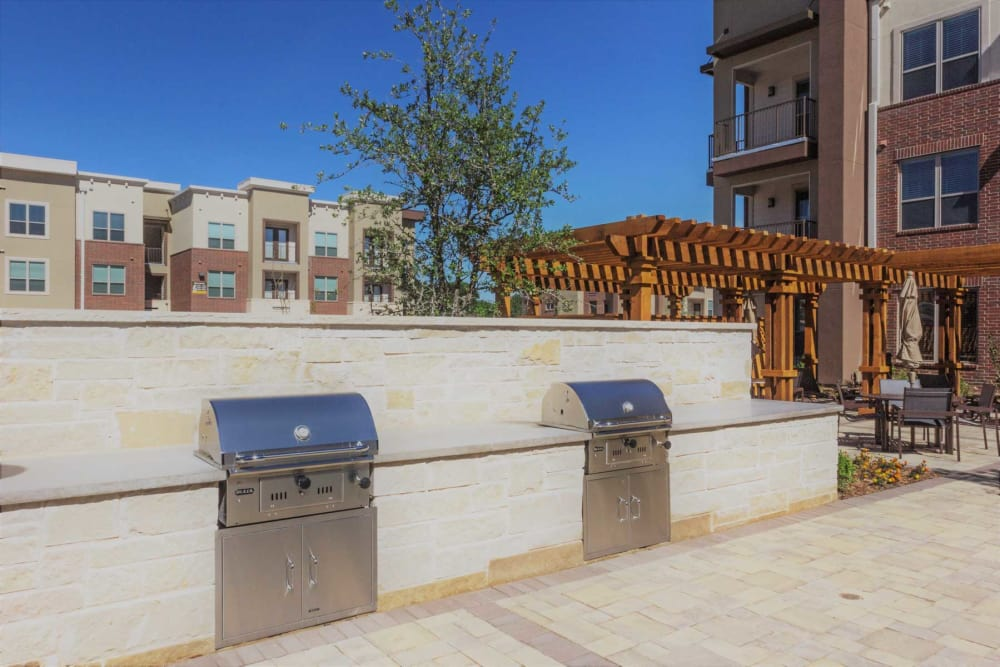 Apartments in Plano features a barbecue area