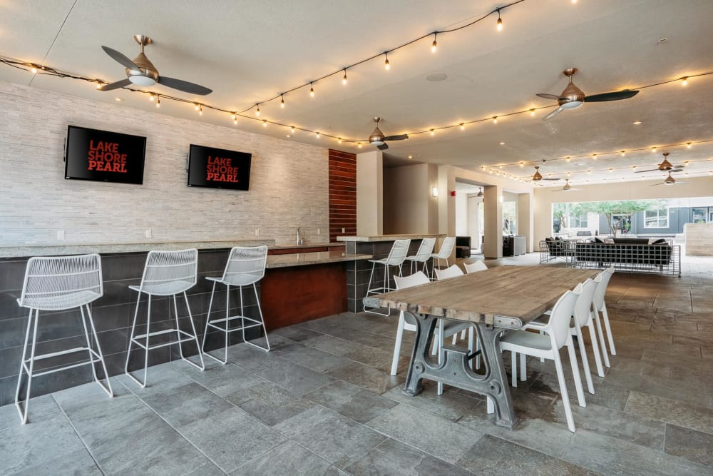 Ample seating in the bar area of the clubhouse lounge at Lakeshore Pearl in Austin, Texas