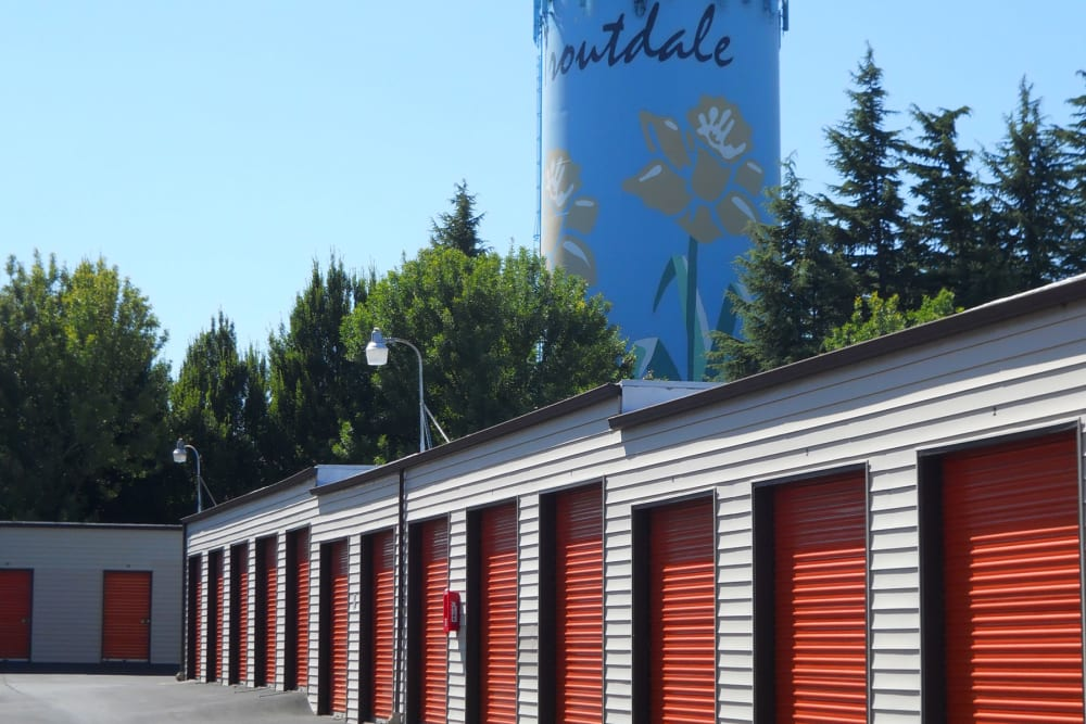 A wide driveway along storage units at Stor-Room Mini Storage in Troutdale, Oregon