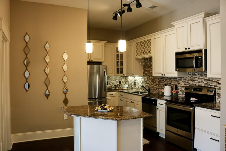 Bradford Luxury Apartments & Townhomes offers a renovated kitchen in Cary, NC