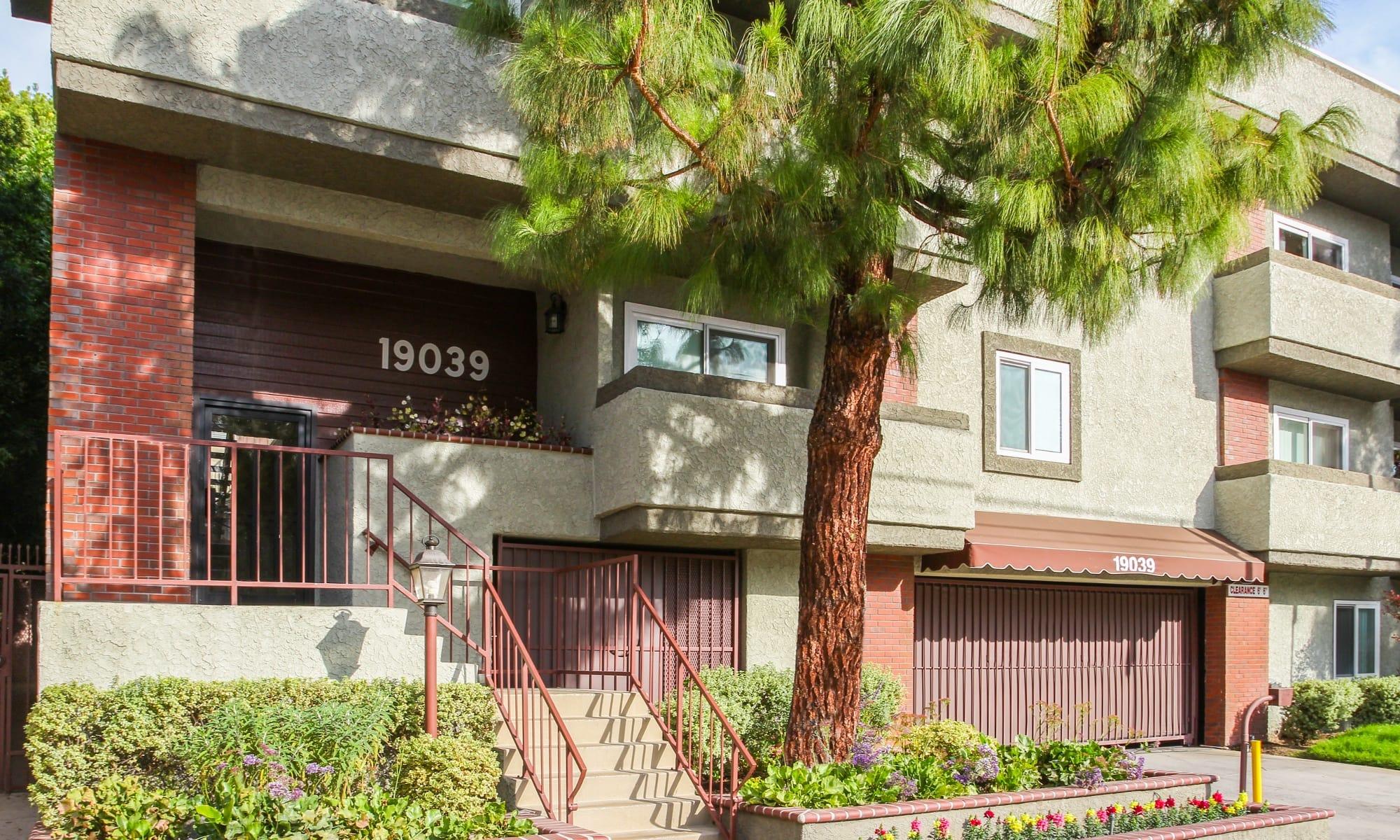 Apartments in Northridge, CA