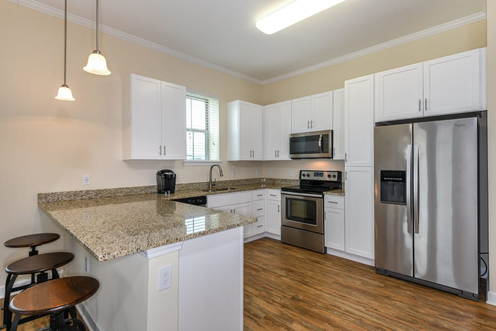spacious kitchen with modern finishes at Palm Bay Club in Jacksonville