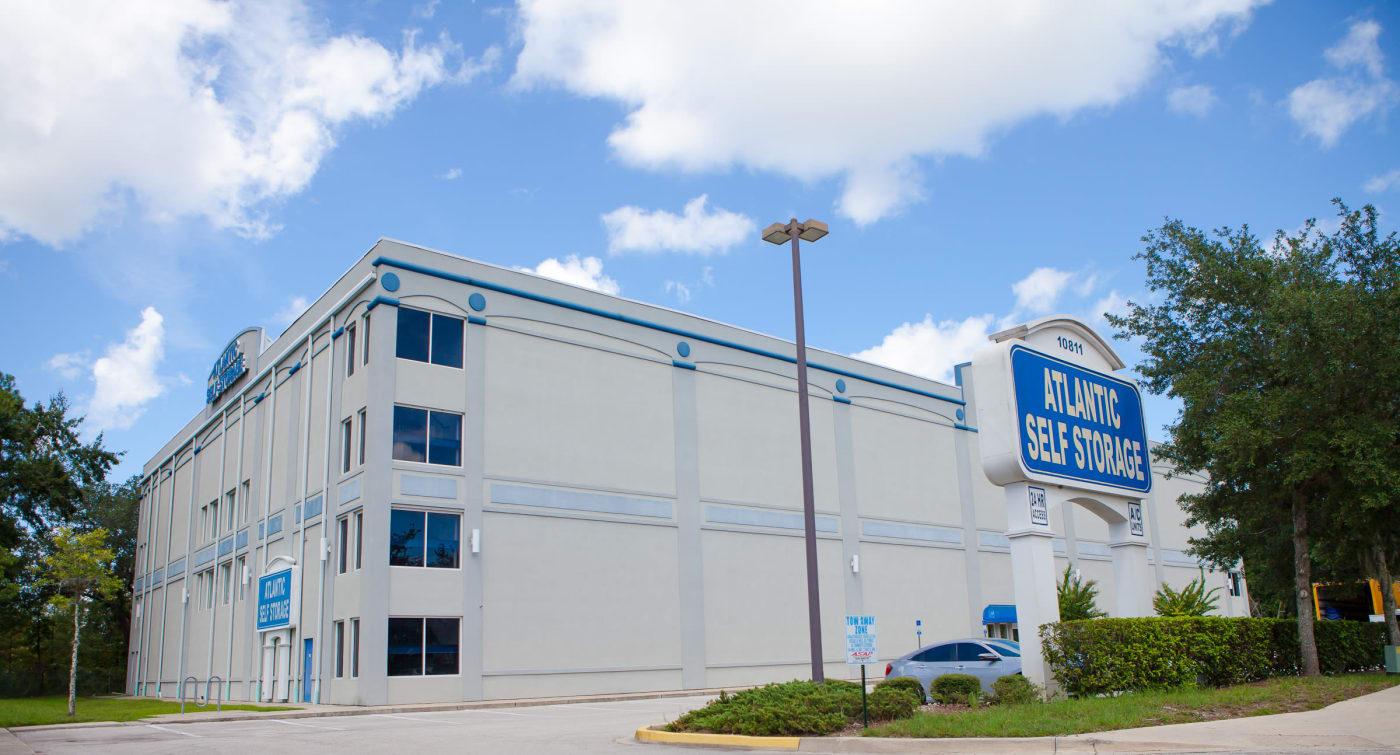 Exterior building view of Atlantic Self Storage location in Jacksonville