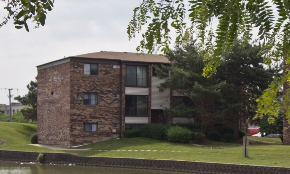Exterior view of The Flats at Gladstone in Glendale Heights, IL