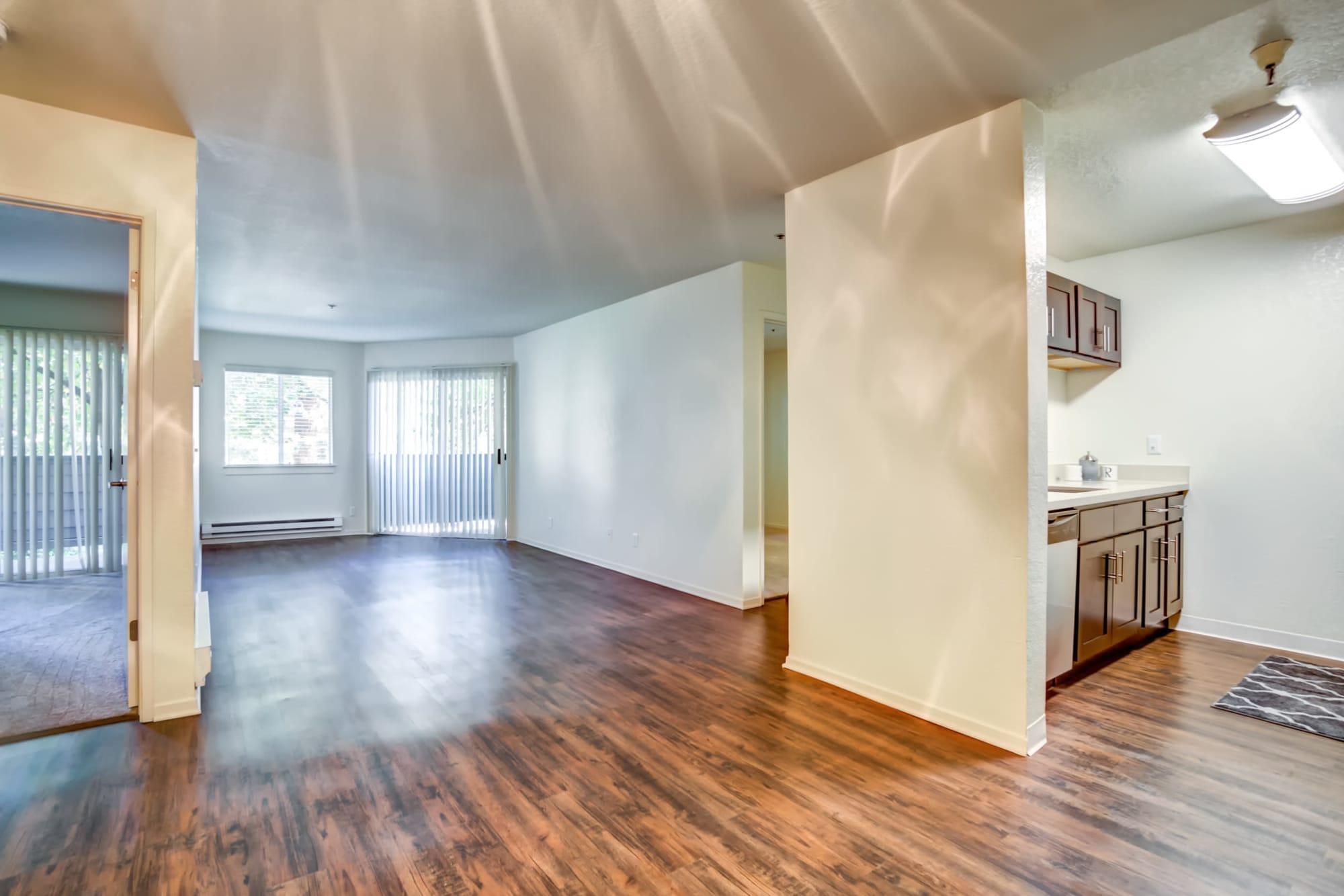 Open Floor Plan Layout Living Room at Serramonte Ridge Apartment Homes