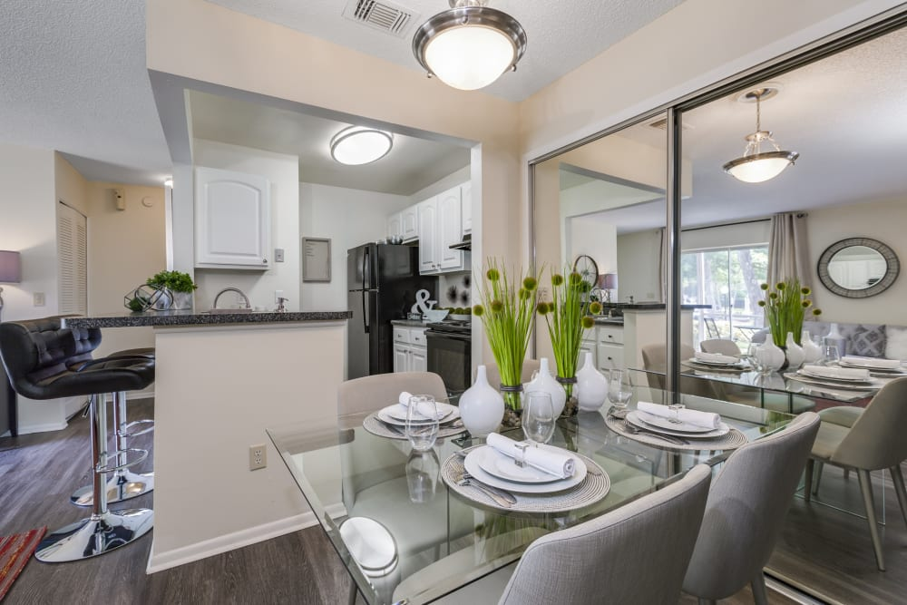 Breakfast nook decorated nicely ready for a meal at The Vue at Baymeadows Apartment Homes in Jacksonville, Florida