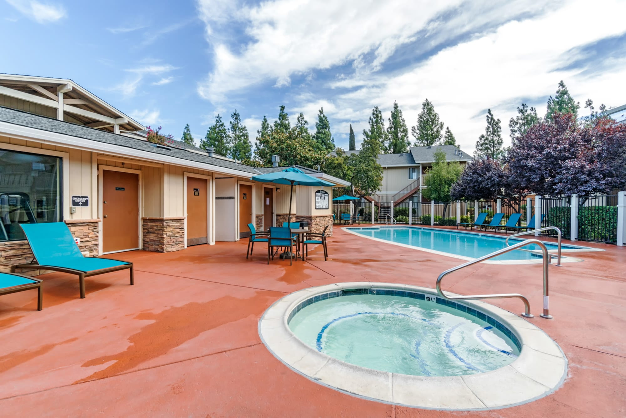 Swimming Pool and Spa View at Sommerset Apartments in Vacaville, CA