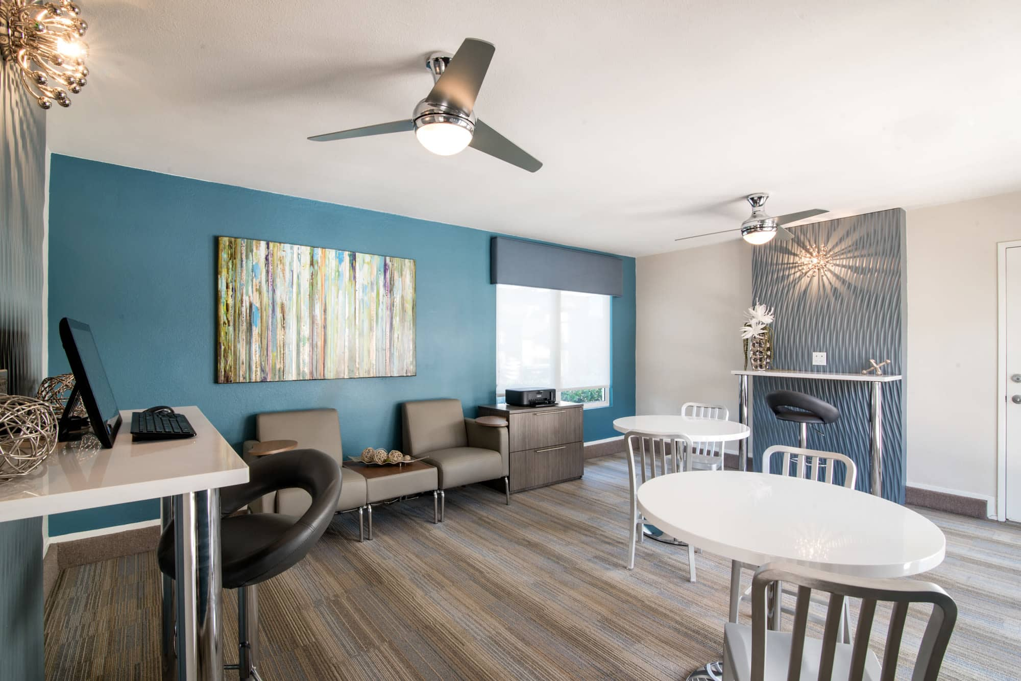 newly renovated business center and lounge at Lakeview Village Apartments