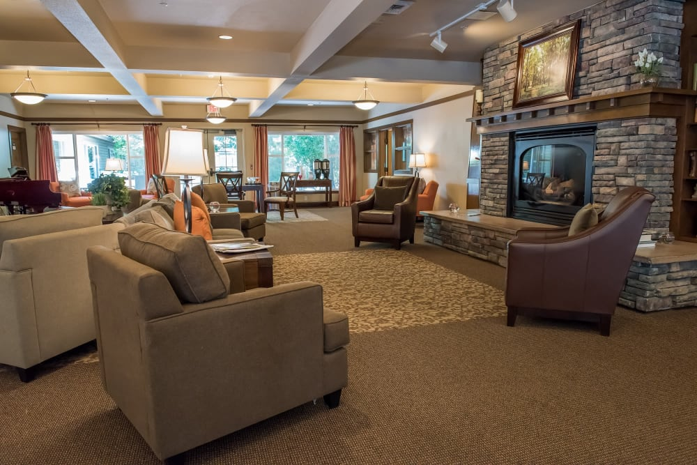 Comfortable common great room at The Springs at Wilsonville in Wilsonville, Oregon