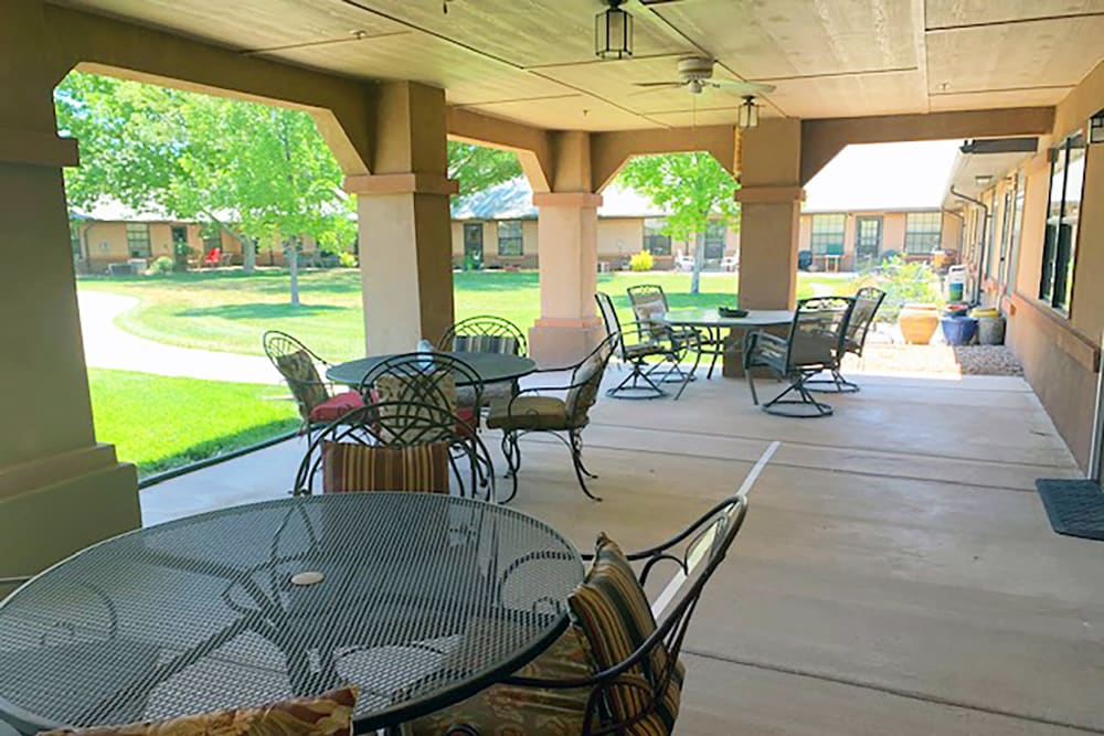 patio seating at Peachtree Village Retirement Community