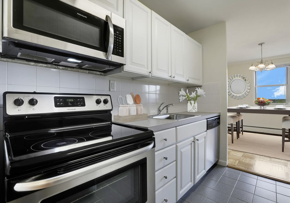 Fully-equipped kitchen at 10 Landing Lane in New Brunswick, New Jersey