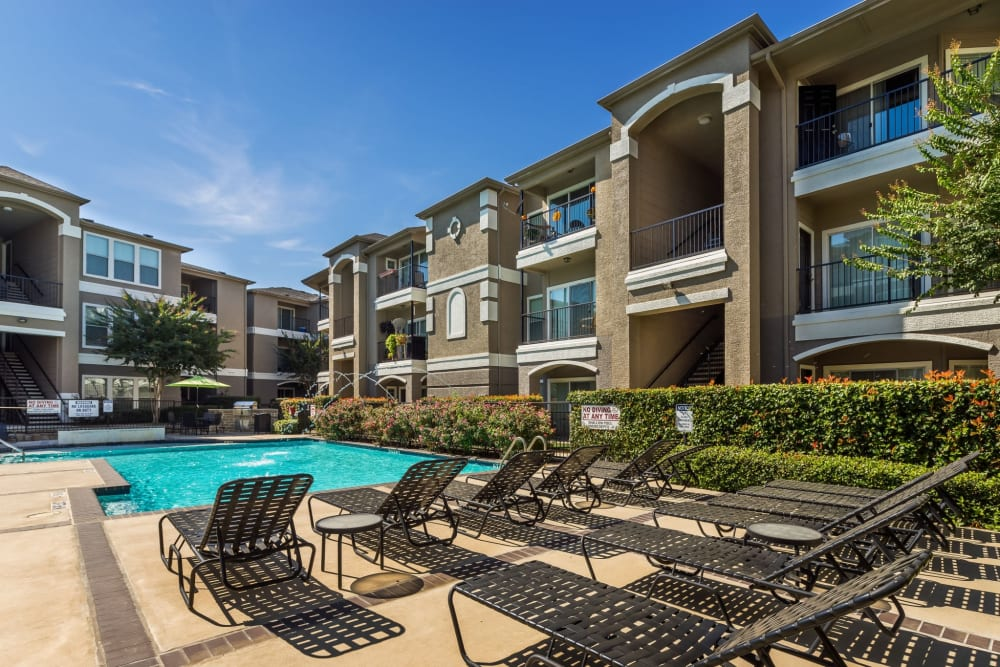 Gorgeous day at the pool at Vail Quarters in Dallas, Texas